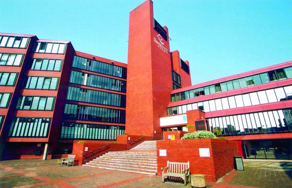 Trường Ealing, Hammersmith & West London College, Vương Quốc Anh