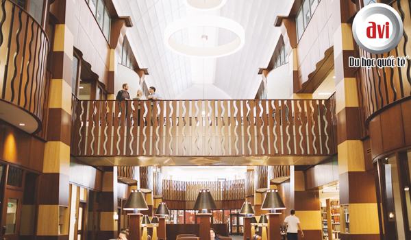 Thư viện Arnold Bernhard - Quinnipiac University