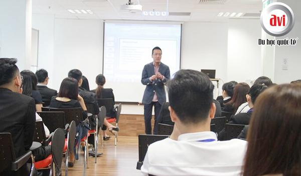 Chương trình dạy của học viện ERC gắn liền với thực tiễn