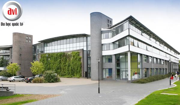 Đại học Warwick là đại học nghiên cứu hàng đầu tại Anh