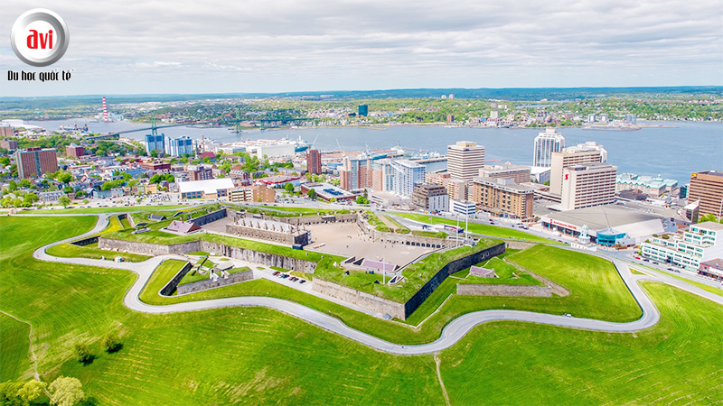 Thành phố Halifax, Canada