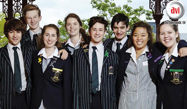 học sinh tốt nghiệp St Leonard đều đạt thứ hạng cao trong kì thi tốt nghiệp tại Úc