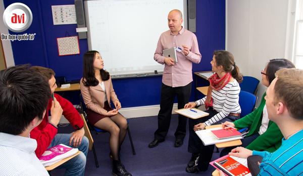 Kinh nghiệm giảng dạy và uy tín về học thuật xuất sắc trong hơn 75 năm