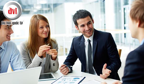 Du học sinh có thể tìm việc làm thêm với mức lương hấp dẫn khi có trình độ tiếng anh tốt hơn