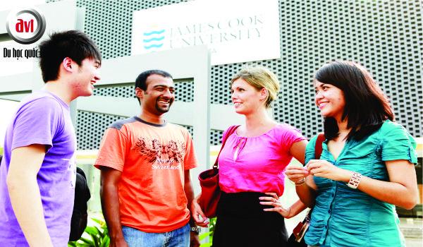 sinh viên đại học James Cook, Singapore