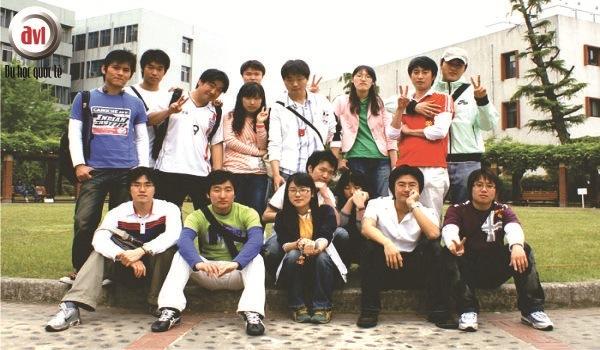 Sinh viên trường đại học Pusan