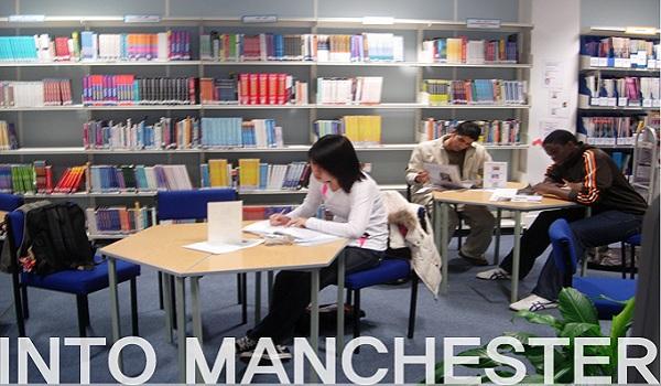 sinh viên INTO tại Manchester Anh