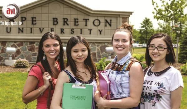 sinh viên trường anh ngữ học thuật canada