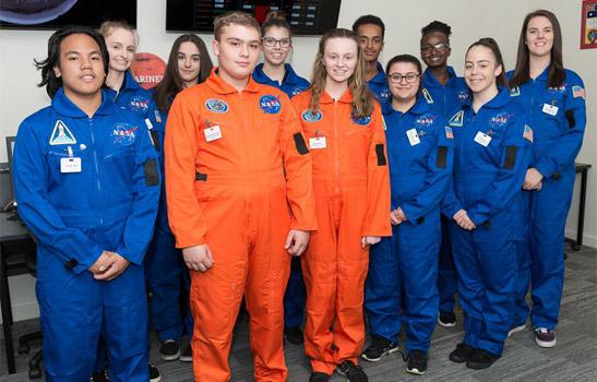Học sinh trường trung học Halmiton trong tiết học STEM